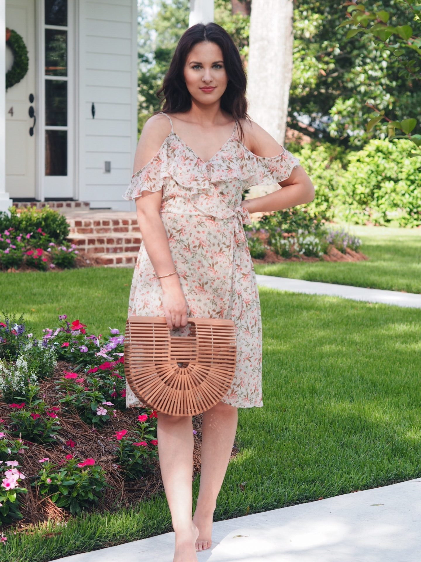 chloe sunglasses. round sunglasses. chloe dupe. zimmermann dupe. flowy dress. summer dress. basket bag. cult gaia.