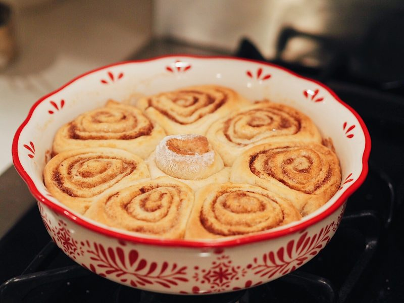 cinnamon rolls, homemade, pioneer women, maple coffee glaze, christmas morning cinnamon rolls, christmas morning, homemade recipe, cinnamon rolls recipe