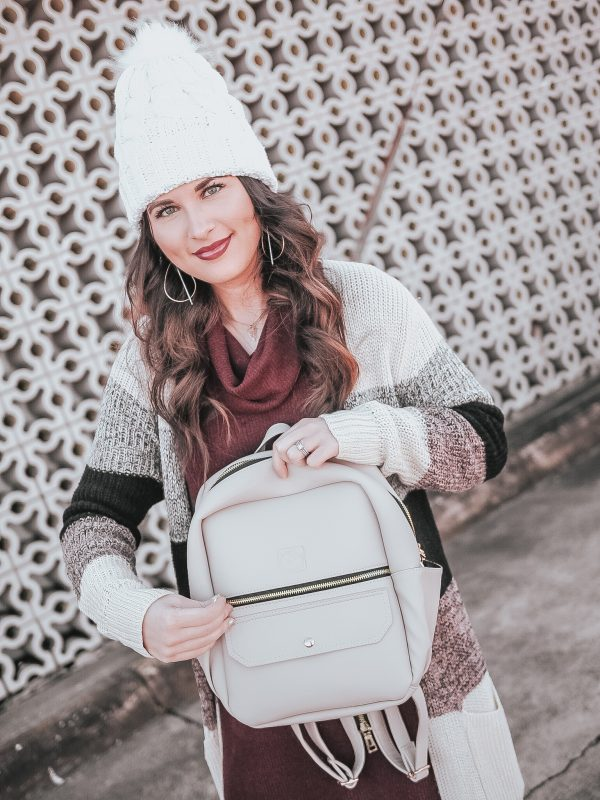 white rhino bags, vegan leather, vegan bags, vegan fashion, bookbag, white bags, winter white fashion, mgemi boots, m.gemi boots, faux leather leggings, z supply, winter fashion, beanie